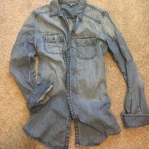Chambray rubbish Jean shirt.